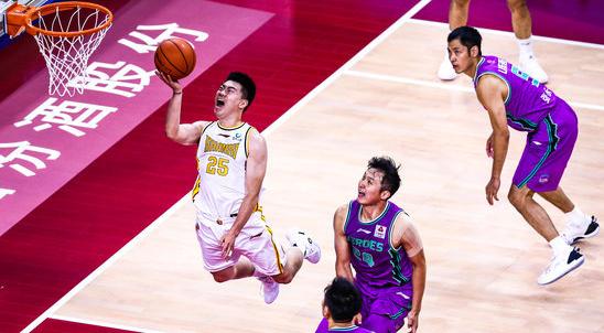 又一位后卫爆发,张涵钧得到21分3篮板6助攻4抢断