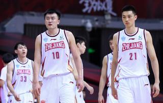 得分创赛季新高!刘泽一得到18分11篮板1助攻3封盖