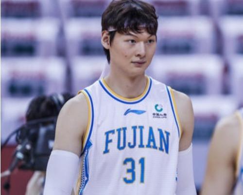 状态火炎!王哲林全场砍下35分14篮板带队五连胜