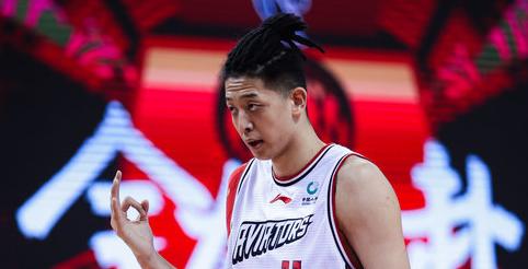 季后赛卡位关键战,深圳上半场仅得到29分