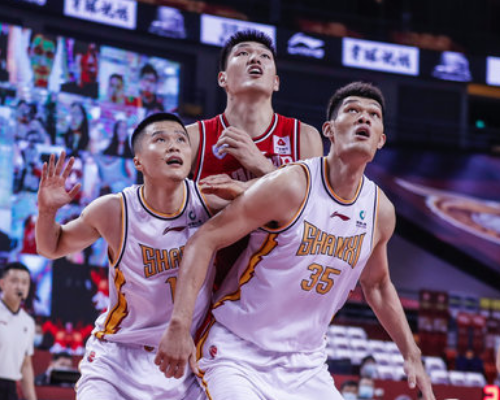 刘传兴全场砍下10分15篮板,两双达成失误创赛季新高