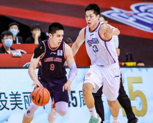 陈盈骏全场空砍26分6篮板8助攻不敌天津