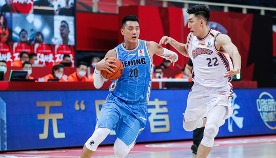 武汉水会所排行:Bright performance!Zhai Xiaochuan scored 22 points, 15 rebounds and 4 assists插图(1)