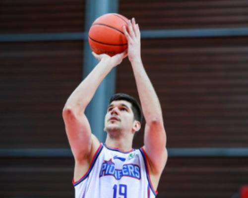 抢断创赛季新高!托多罗维奇全场得到36分12篮板7抢断