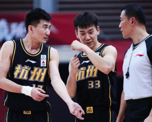 得分创赛季新高!冯欣砍下22分3篮板8助攻3抢断