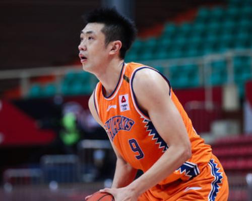 得分创赛季新高!鞠明欣砍下26分6篮板3助攻